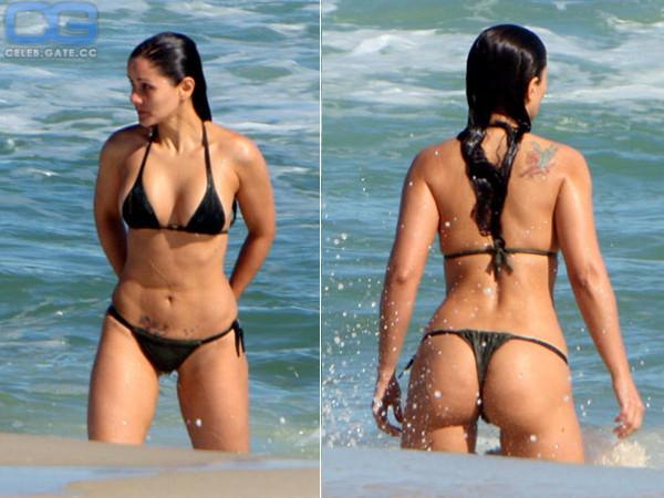 Bruna Marquezine  nackt