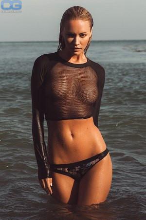 Holly nude bryana Bryana Holly