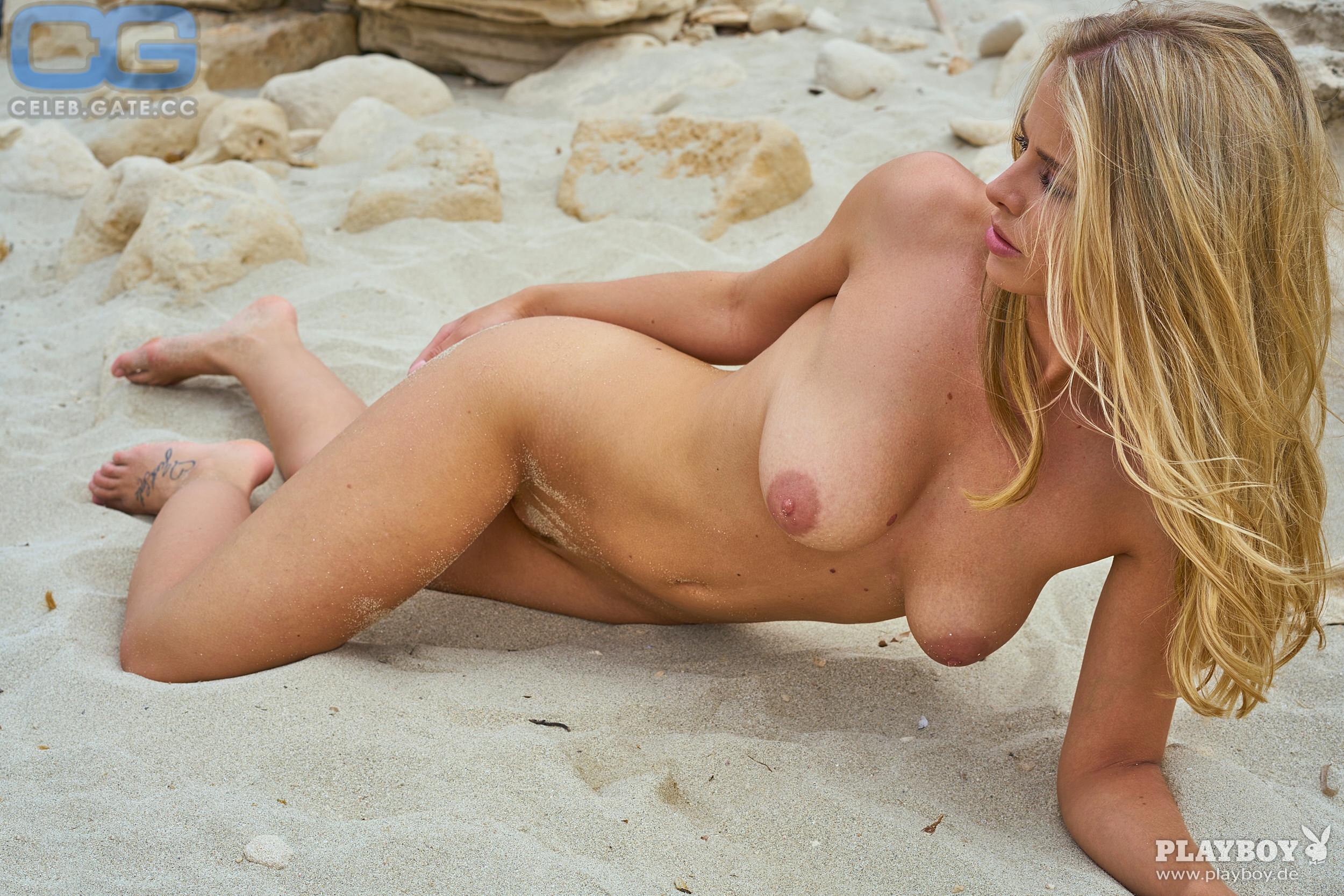 Saskia valencia nude hot naked babes nude picture