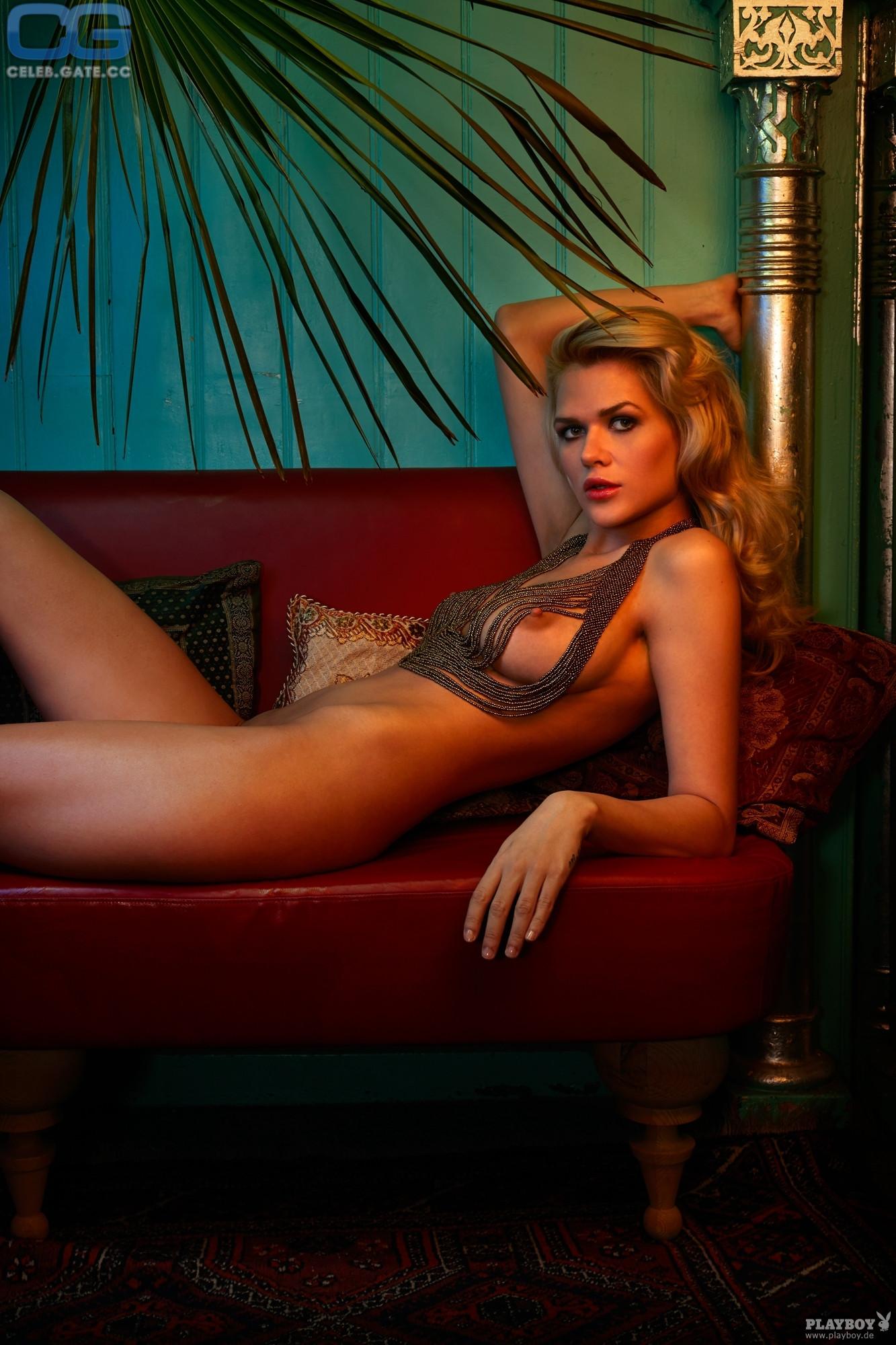 Sarah kulka playboy nackt