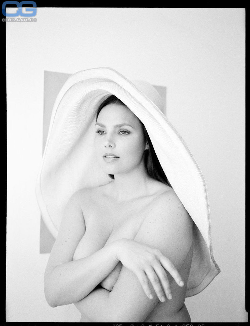 Cristina nackt Ferrare Christina Hendricks