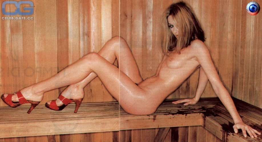 Naked carla bruni Carla Bruni