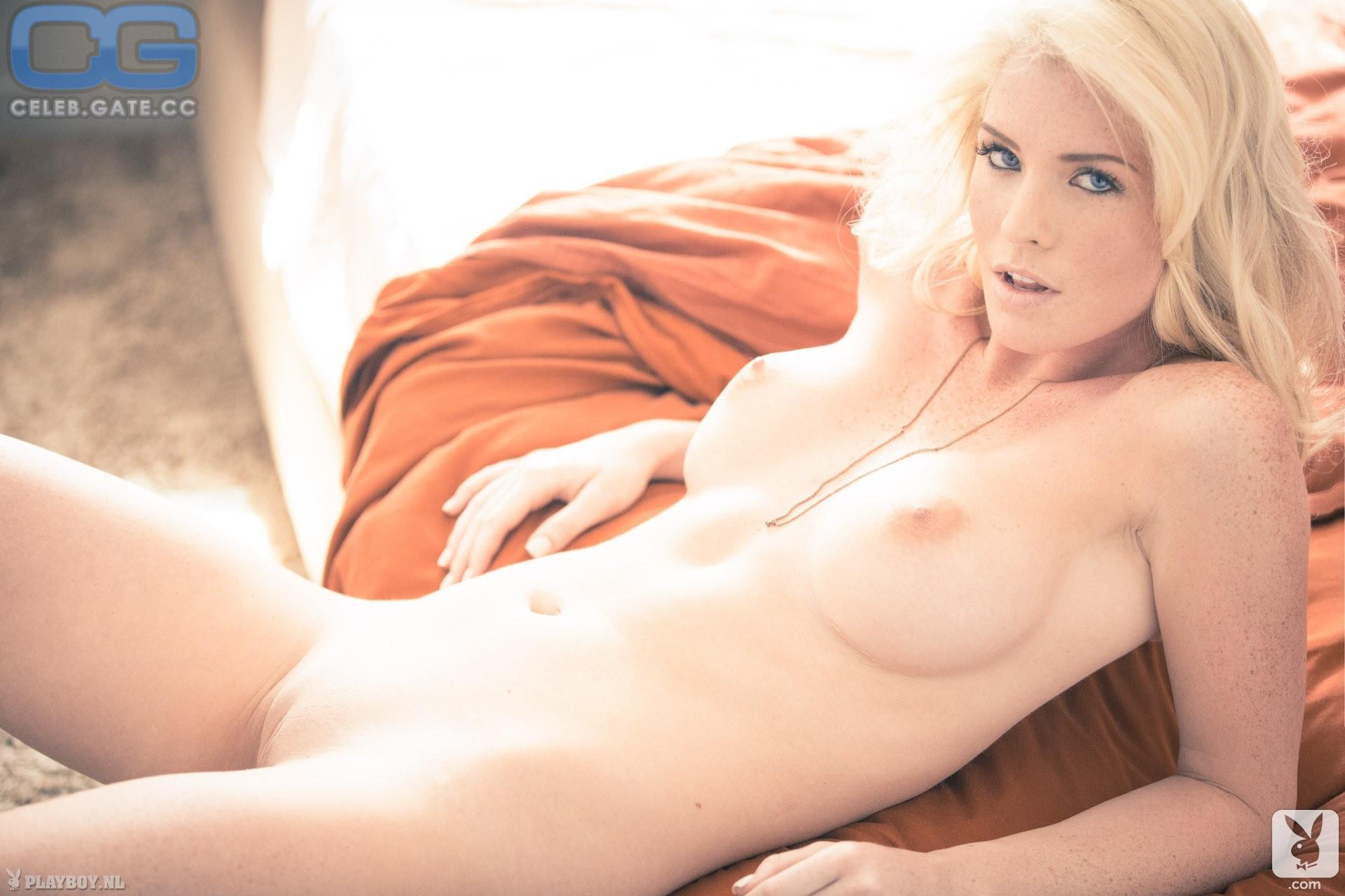 Nackt lauren jones Nude celebrity