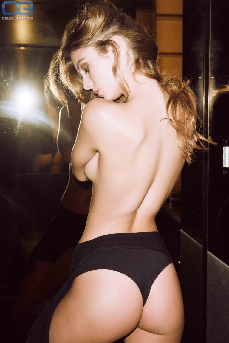 Carmella Rose Nudes