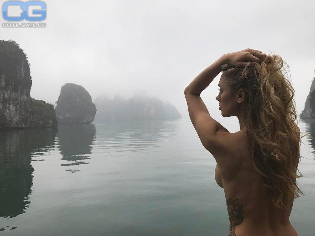 Littlejohn nude charissa Melania Trump