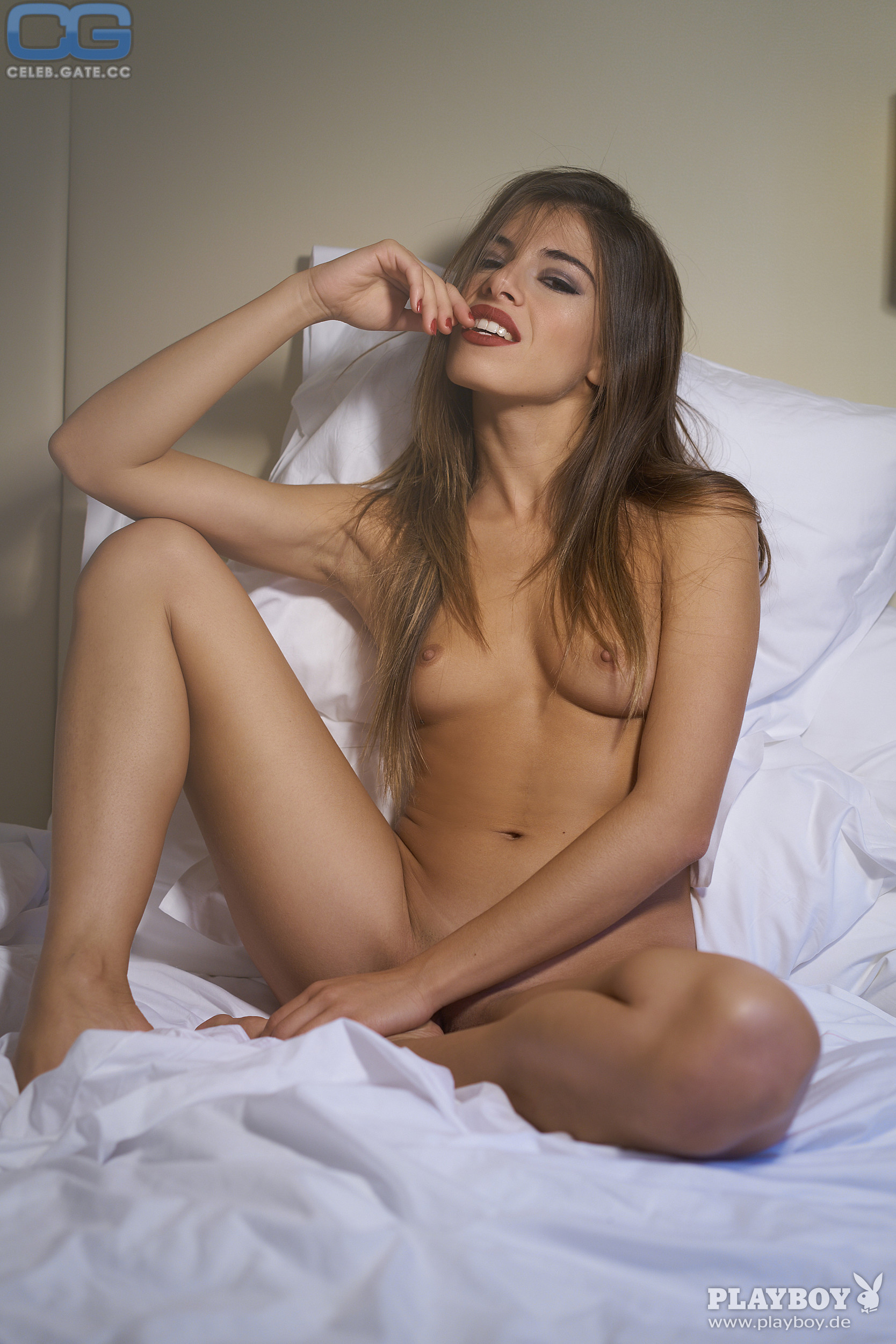 Chiara nackt Bianchino Simon Bolz