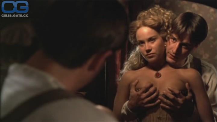 hairy amateur nude