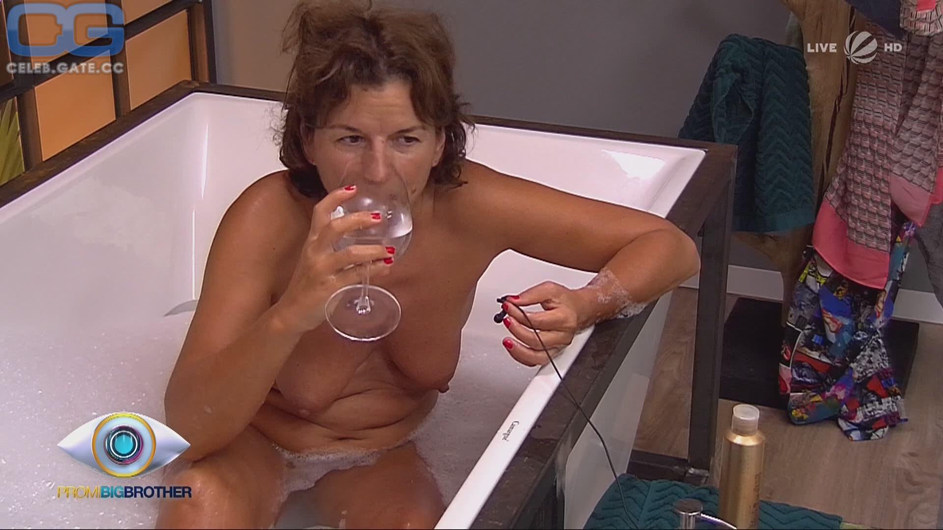 Claudia Obert Nude