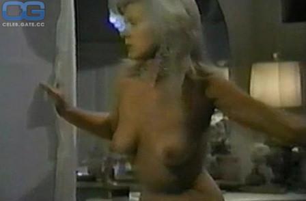 Connie nackt Stevens Erotic: 1,419