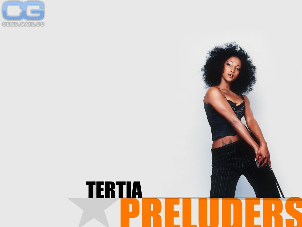 Tertia Botha  nackt