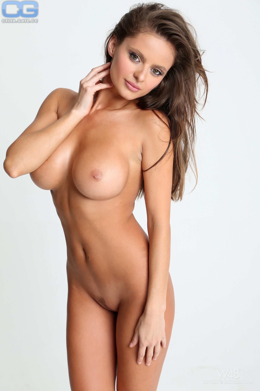 Audrey Dana  nackt