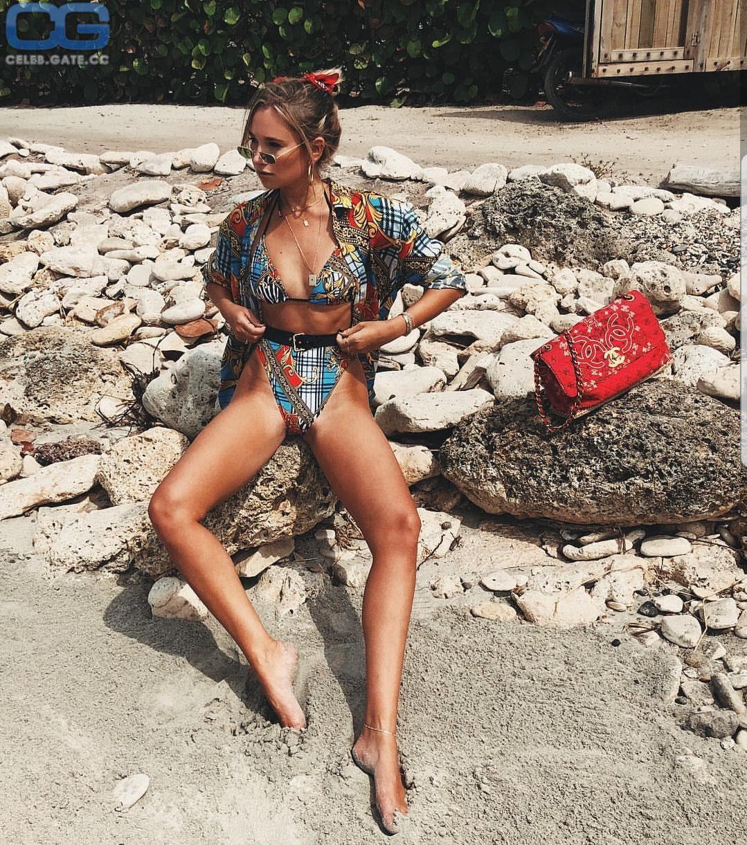 Daniela Worel  nackt