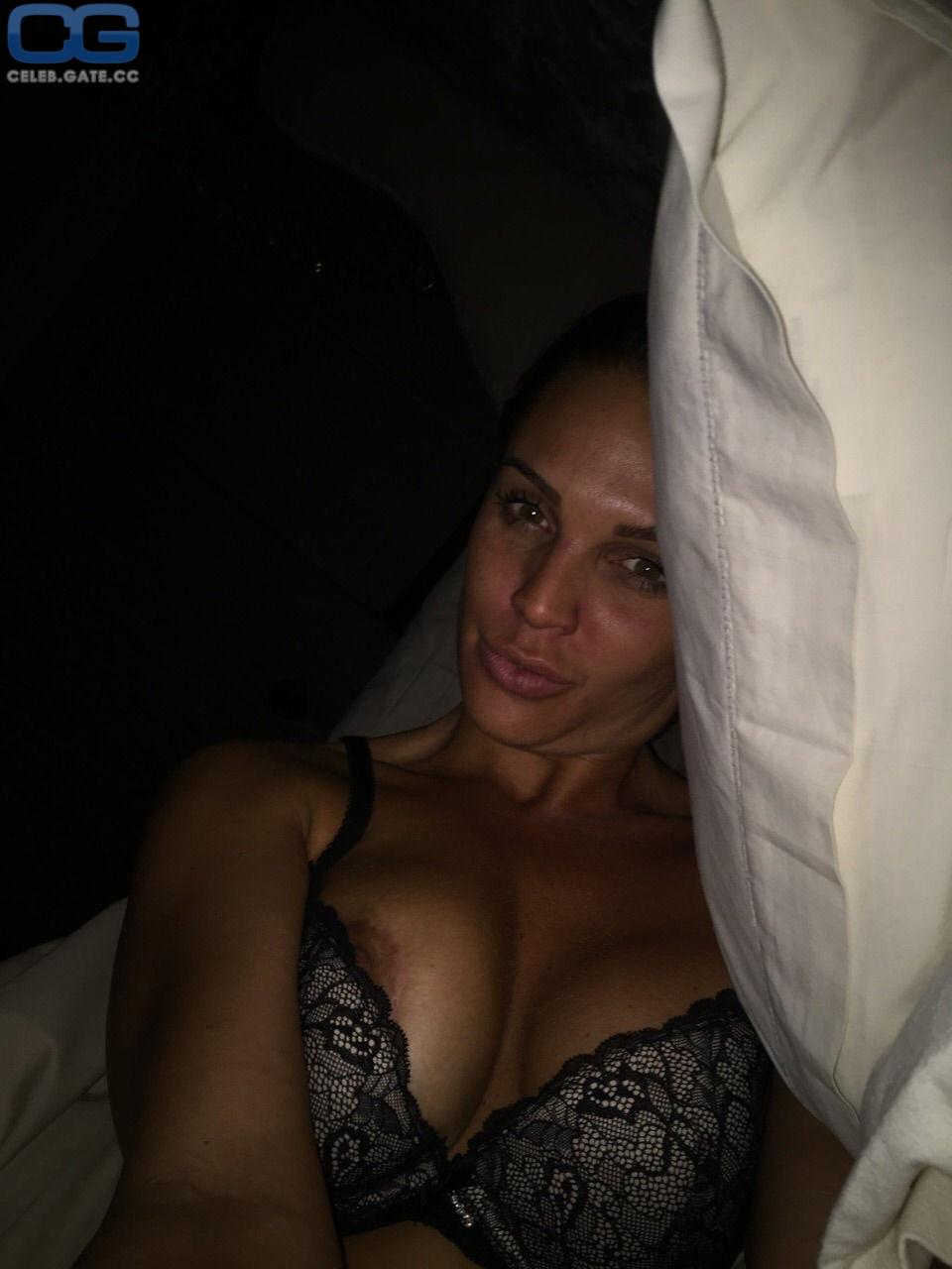 Sex danielle tape lloyd Danielle Lloyd