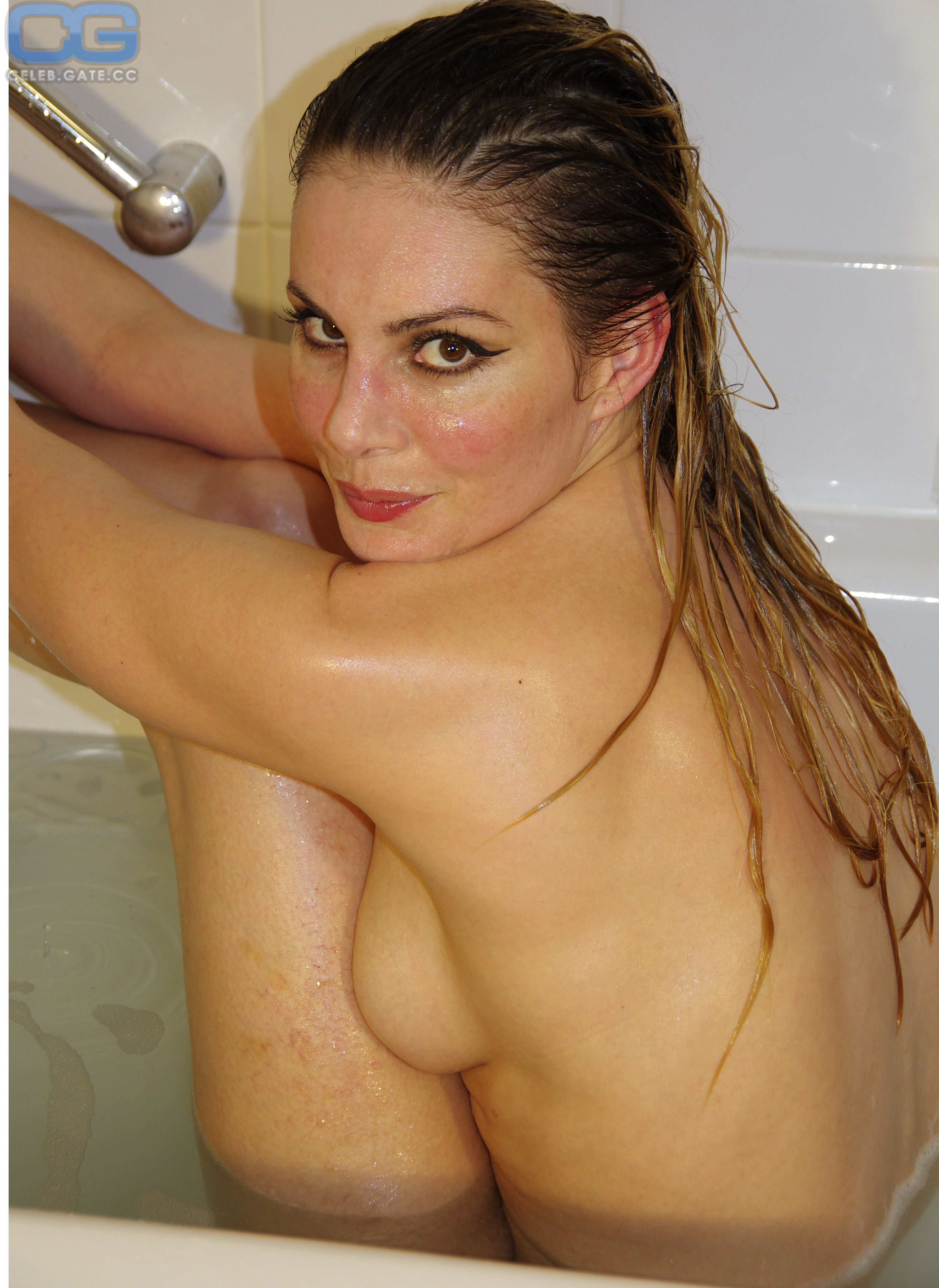 Ginnifer Goodwin Topless
