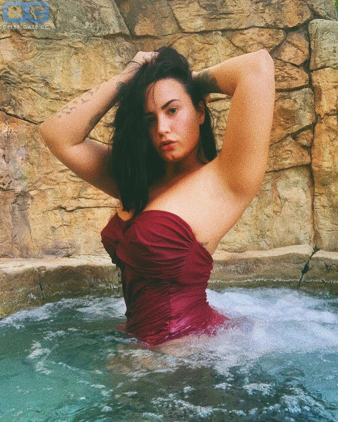 Demi Lovato Nackt