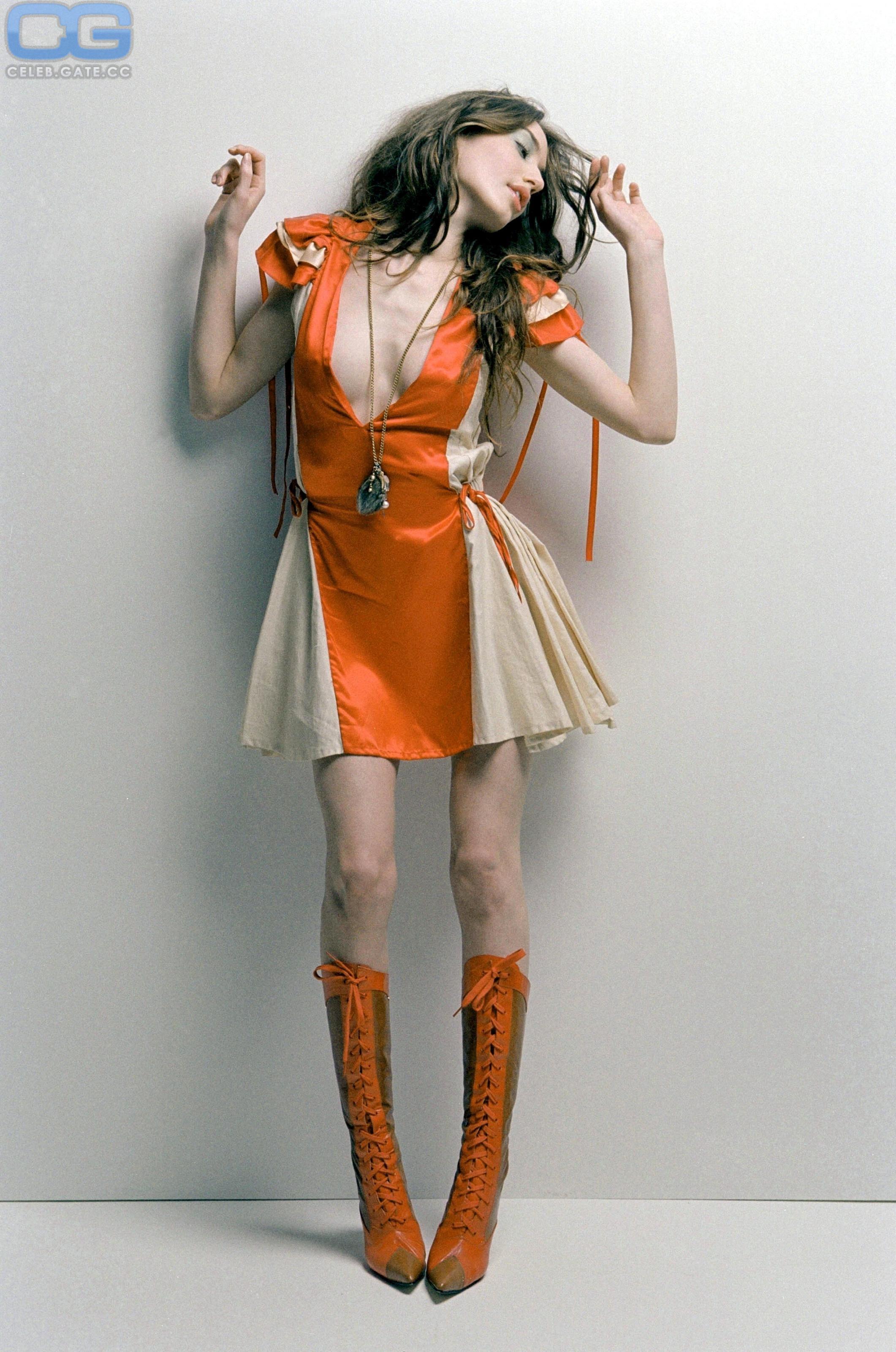 Lizzy Jagger  nackt