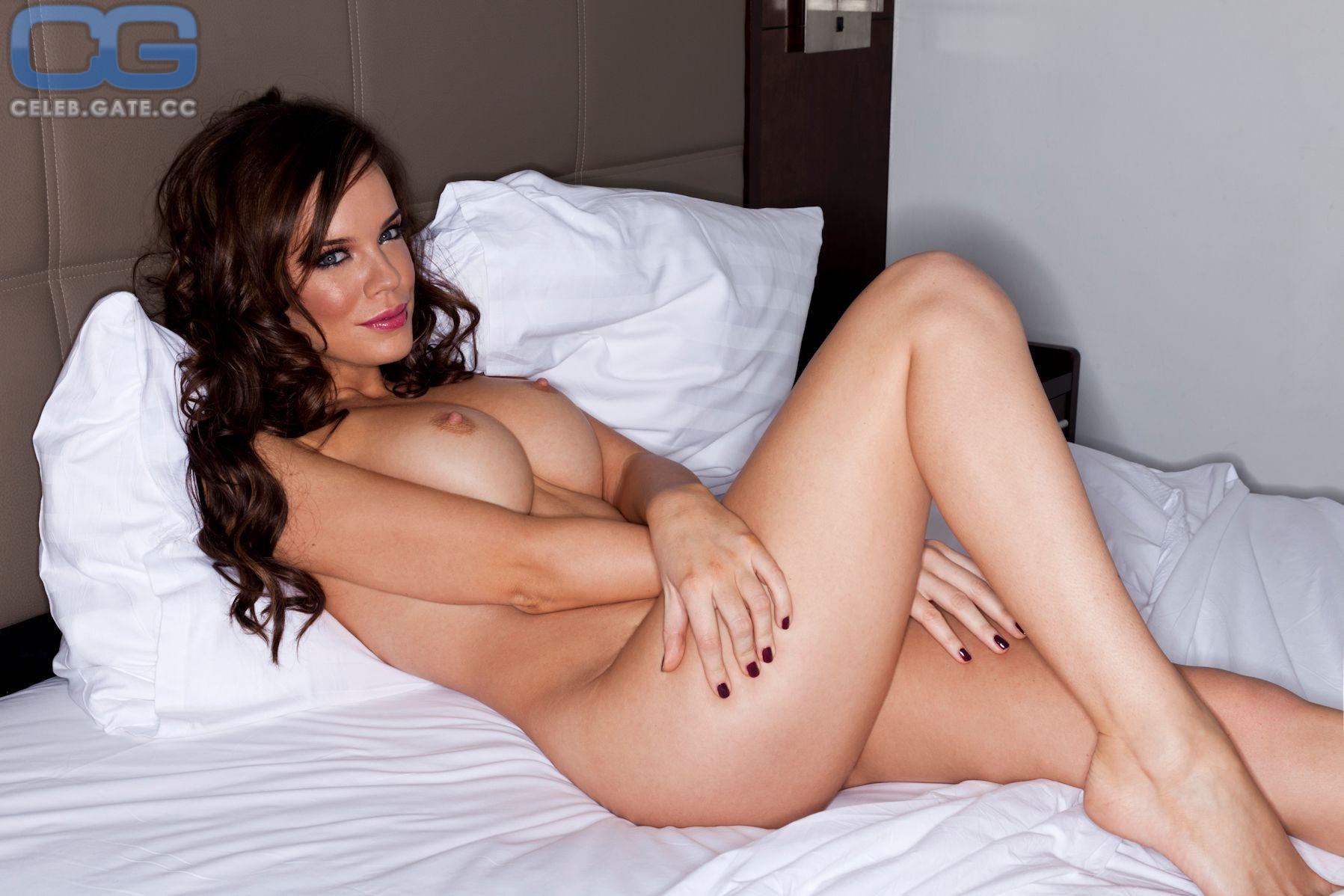 Maria Fowler  nackt