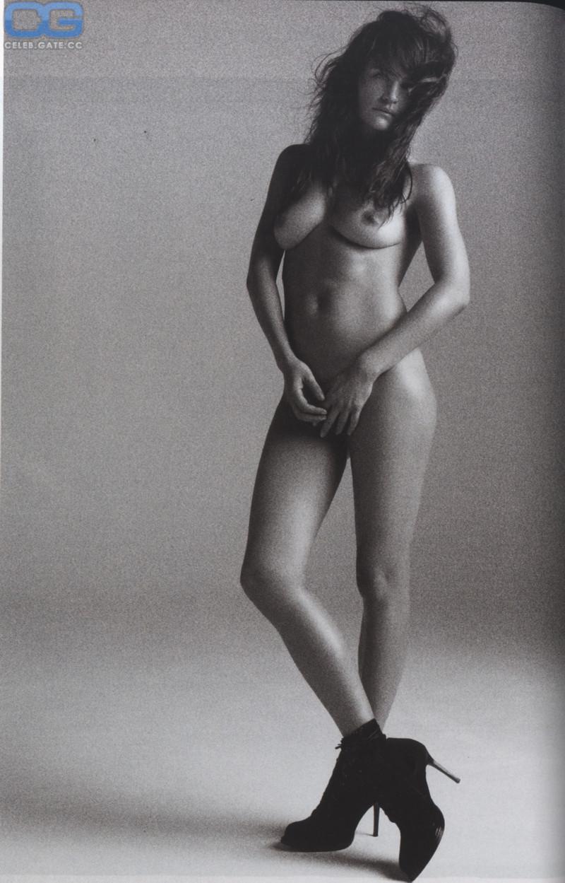 Helena Christensen  nackt