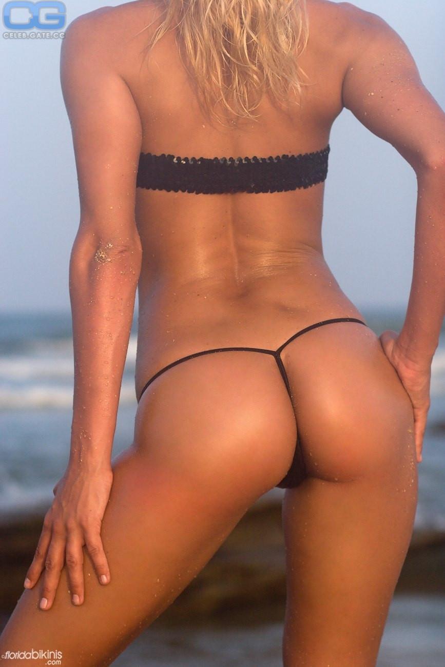 Amy Zidian  nackt