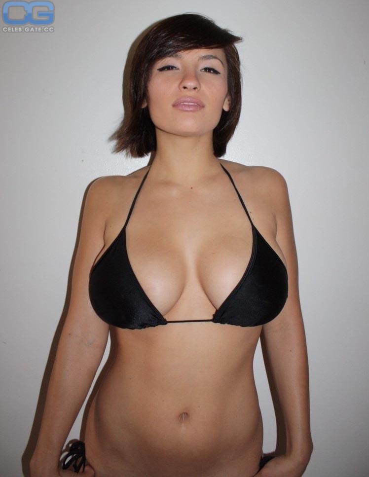 Nackt shay maria Shay Maria