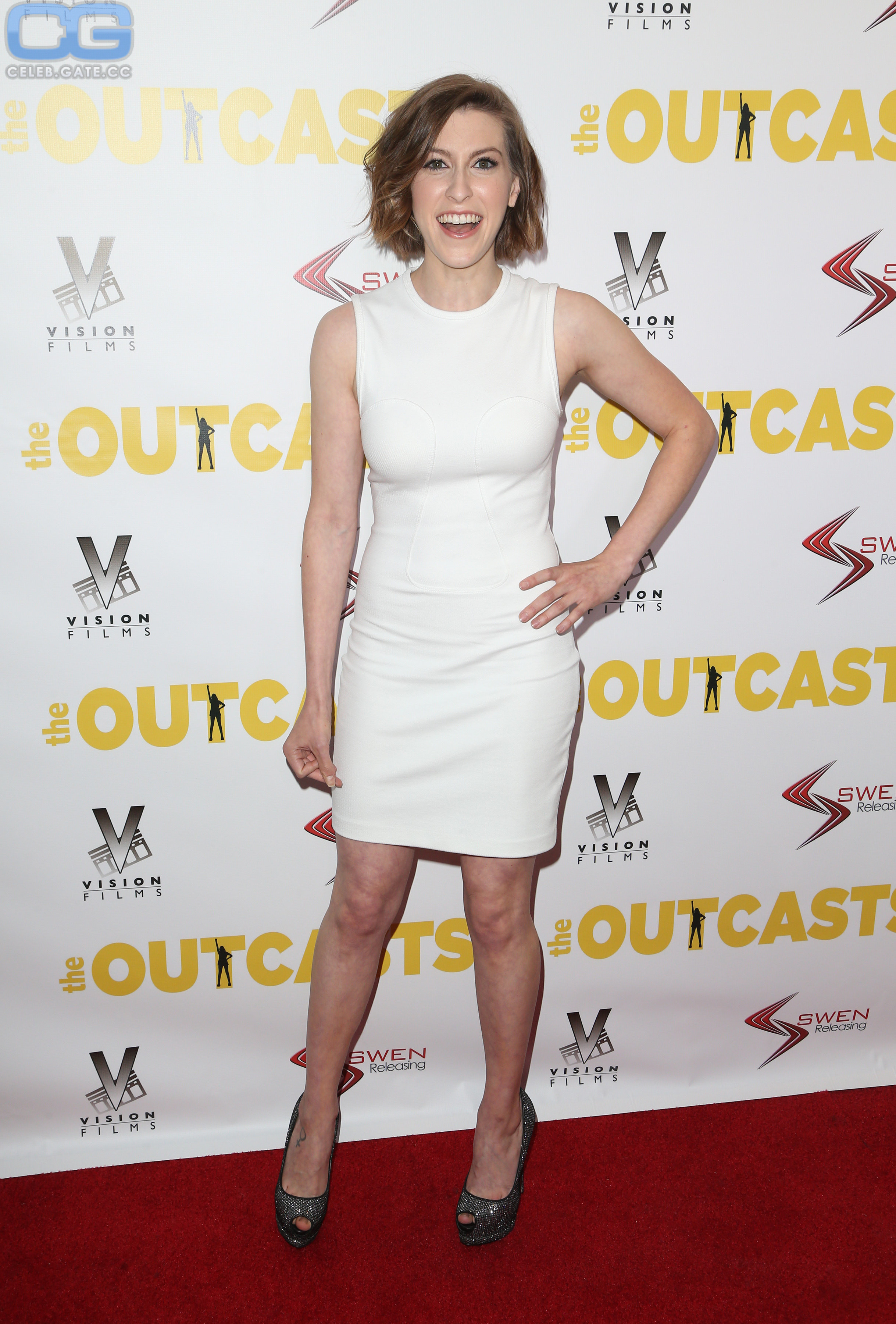 Topless eden sher 40 Sexy