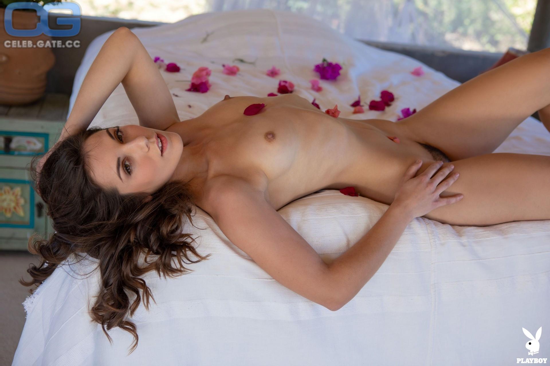 Fay mougles nude