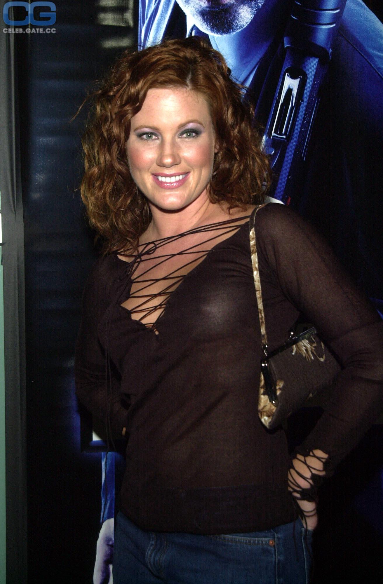 Elisa Donovan  nackt