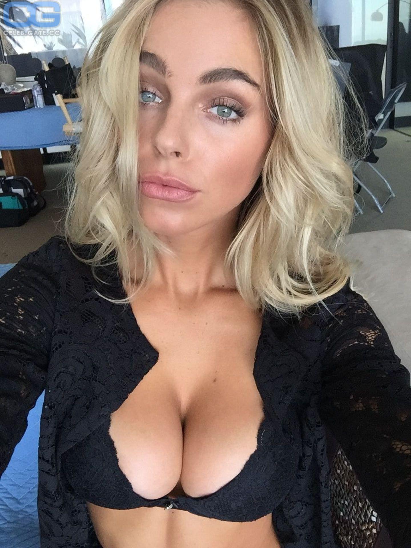 Emilia bernsdorf nackt bilder