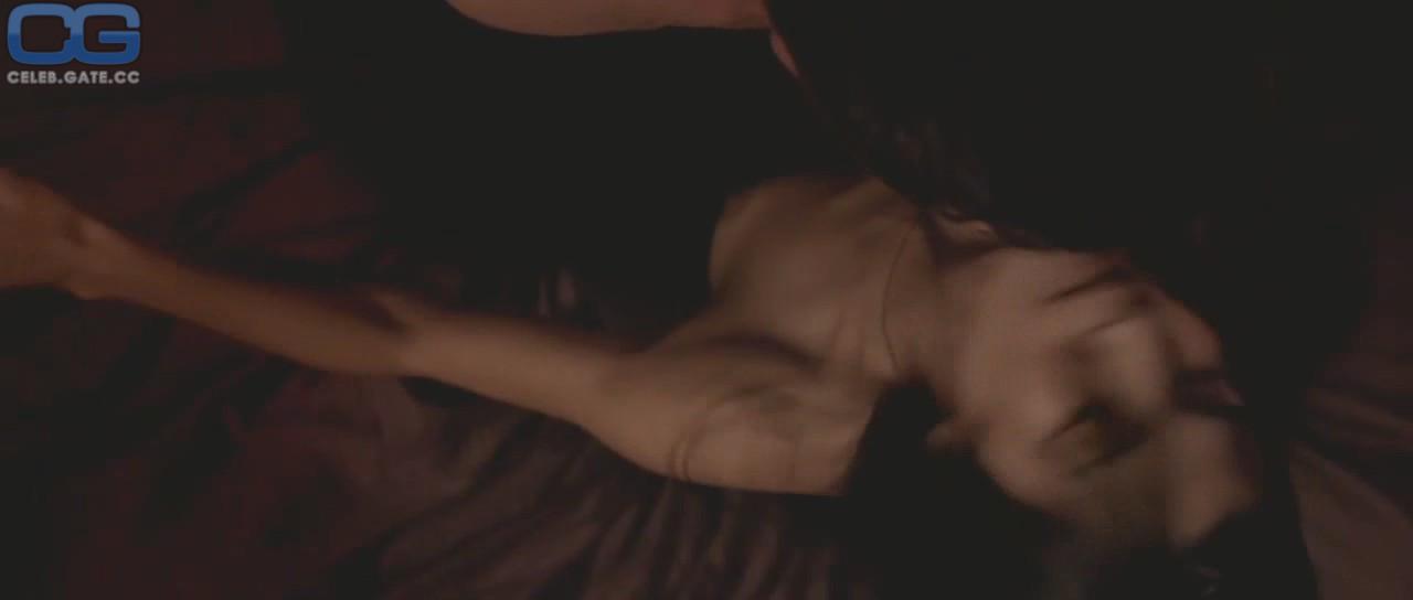 Nackt elodie bilder yung Celebrity Thumbs