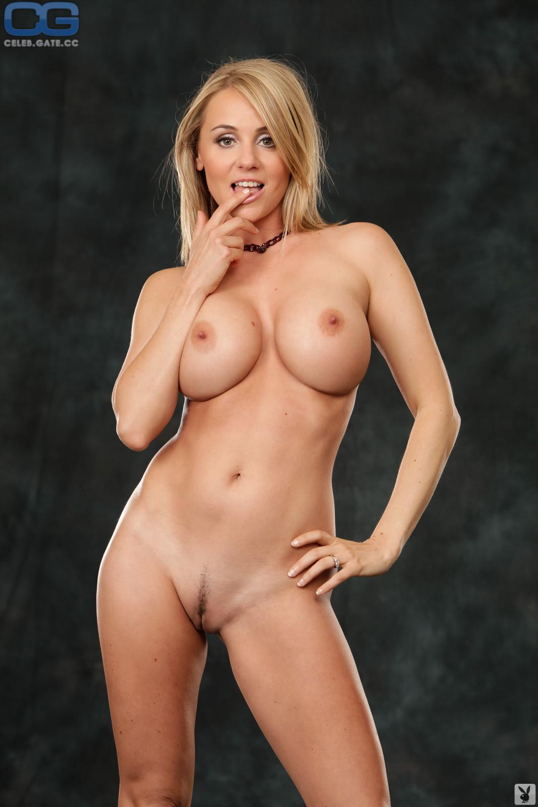 Emesha Gabor  nackt