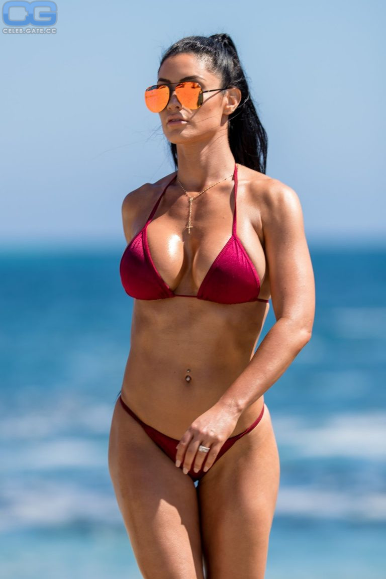 Nackt Eva Marie  50 Sexy