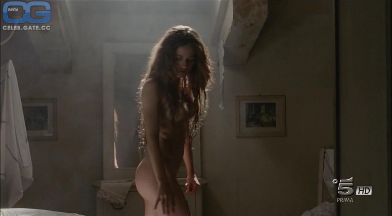 Nackt Giulia Montanarini  Sharni Vinson