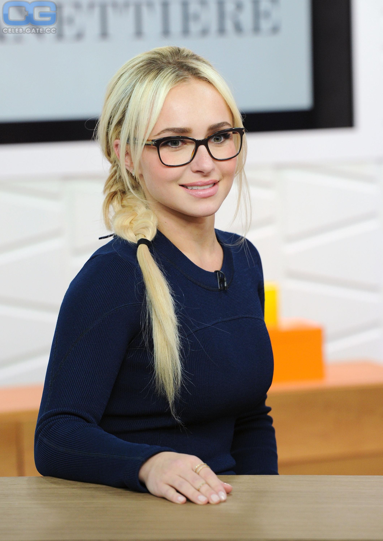 Hayden Panettiere glasses