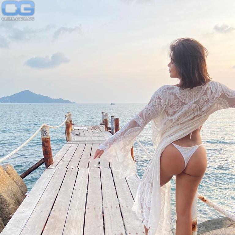 Topless indira weis Indira Weis