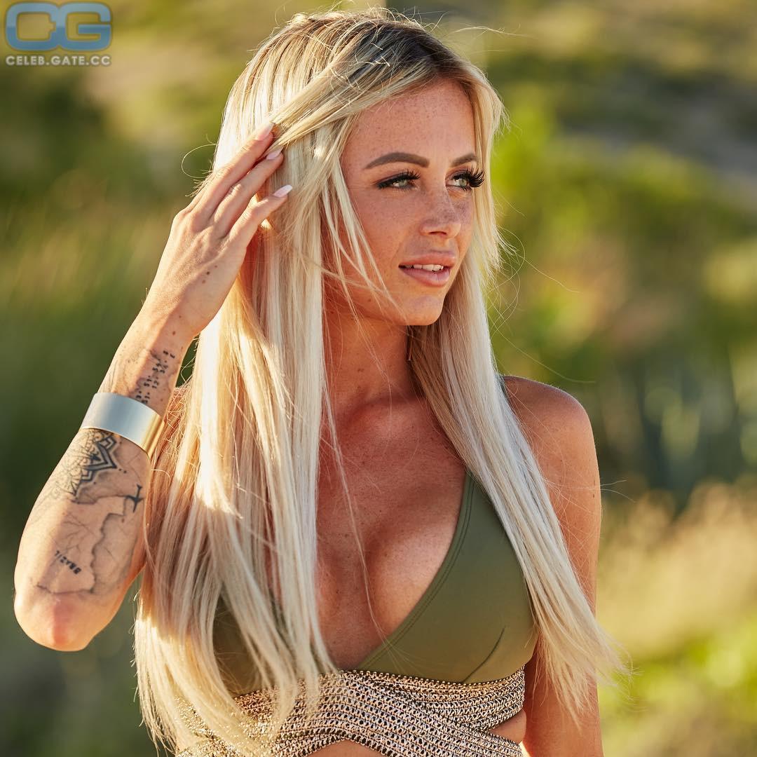 Nackt Jade  Paige VanZant
