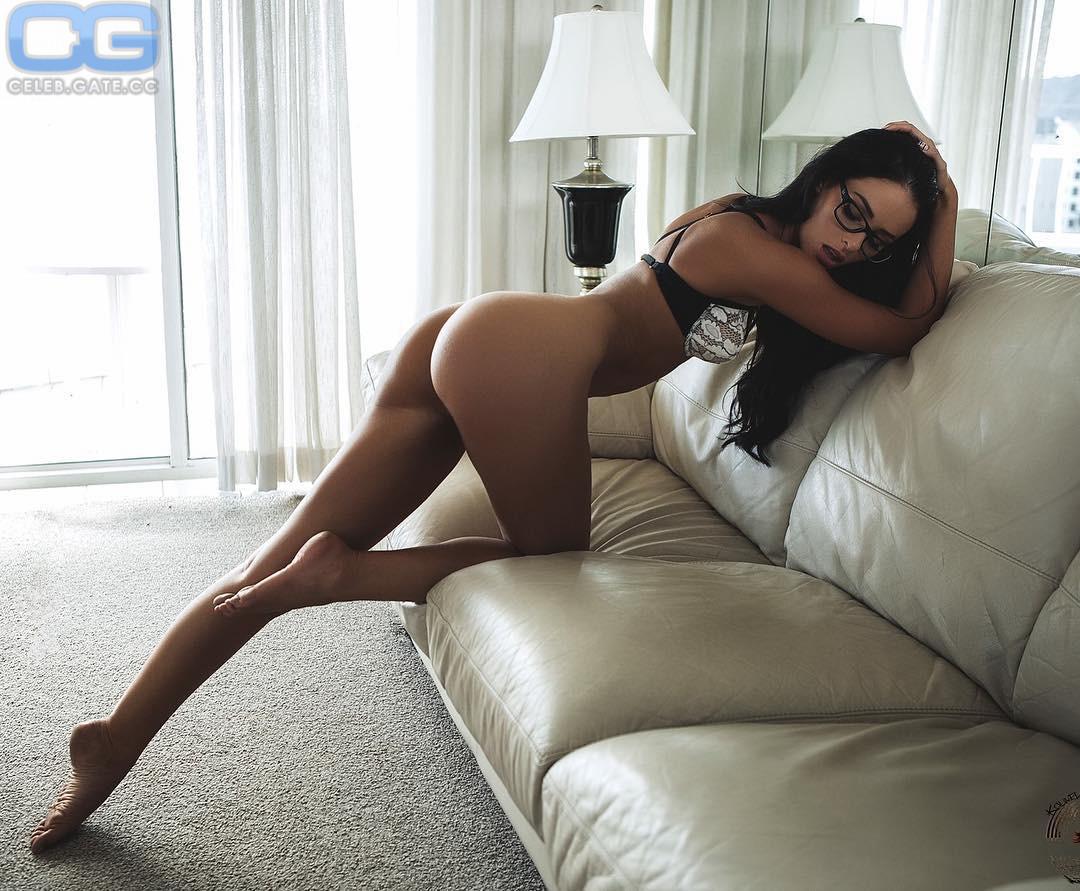 Nude jaylene cook Naked brunette