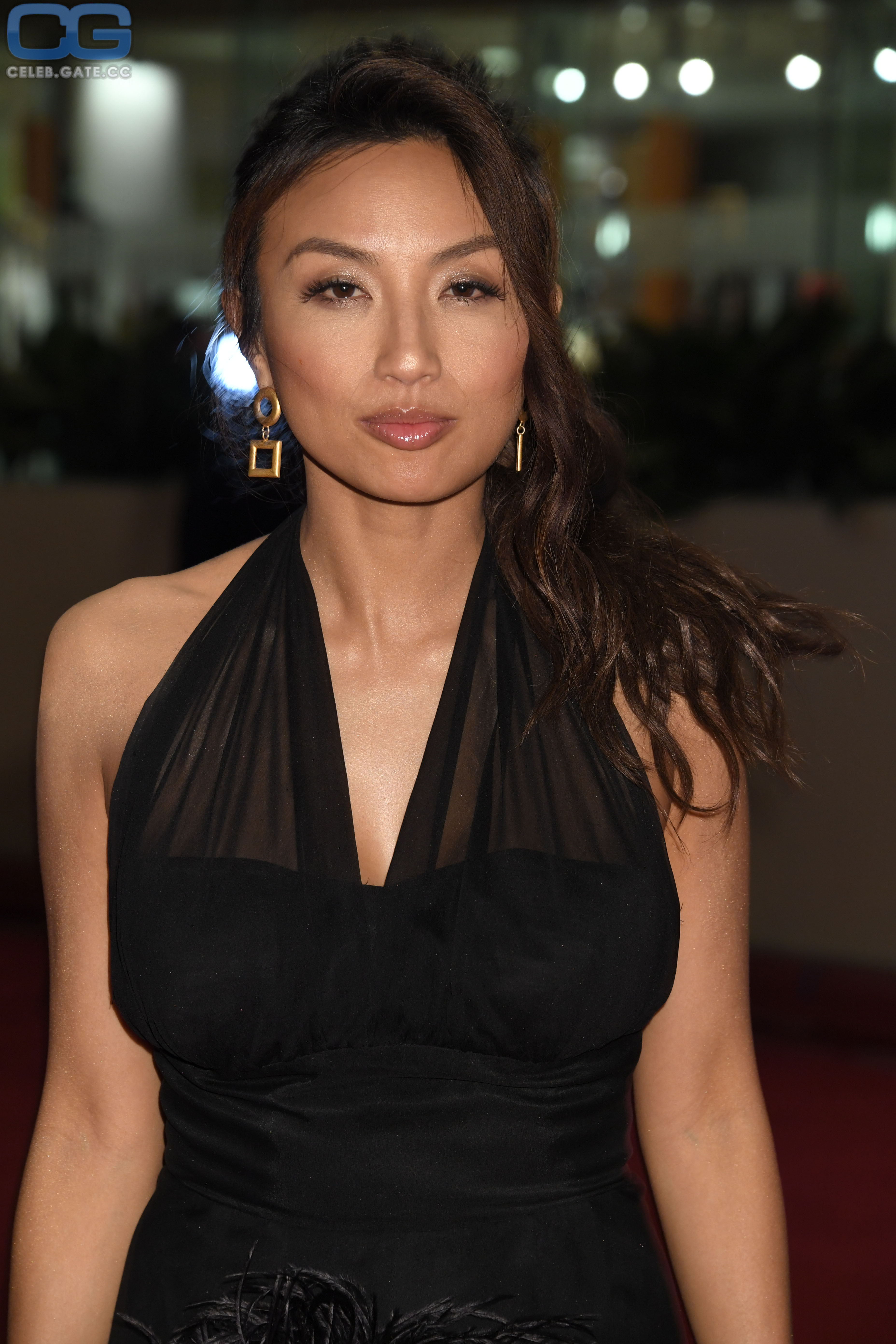 Jeannie Mai  nackt