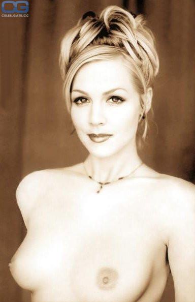 Attractive Naked Jennie Garth Gif