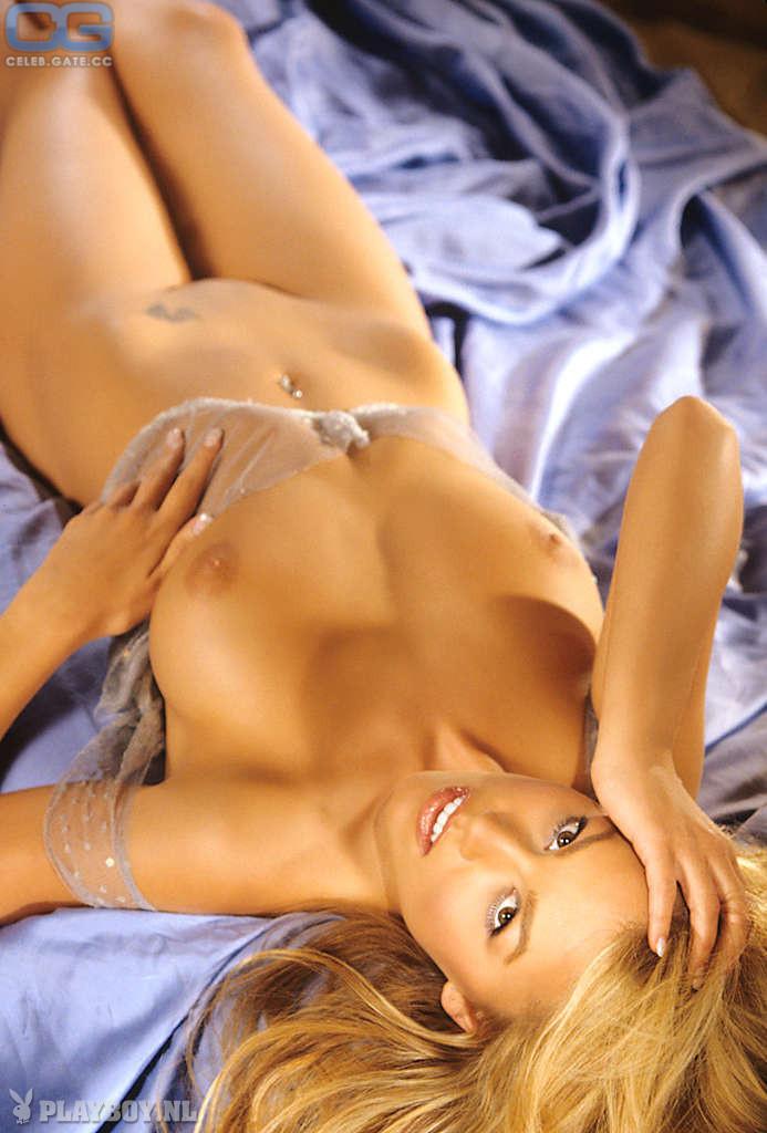 Jessica Hall Nude