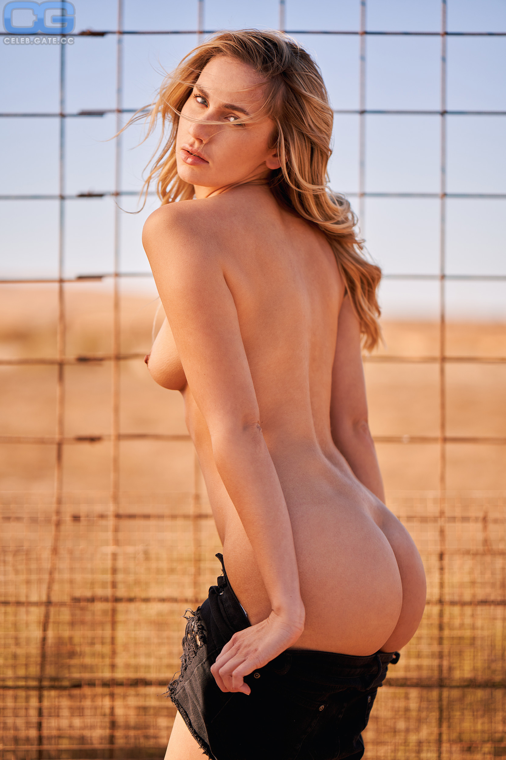 Jessica Sterling  nackt