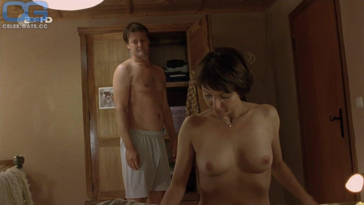 Nacktbilder julia koschitz Nackte Julia