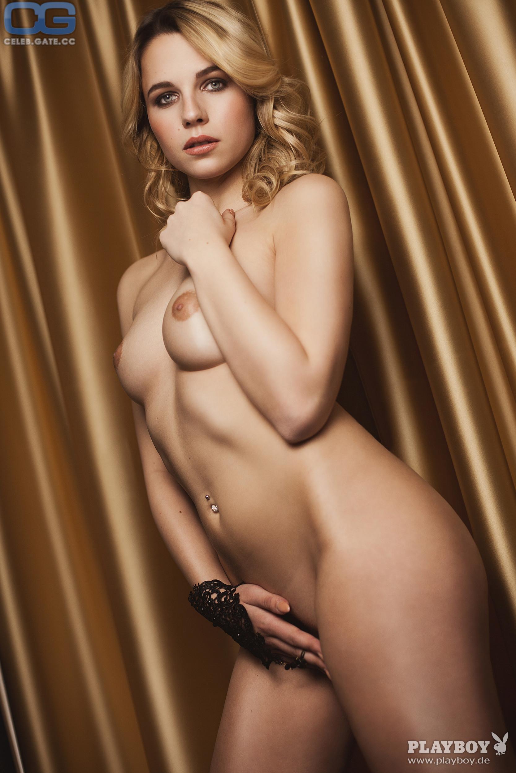 nackt Simic Julia 51 Hot