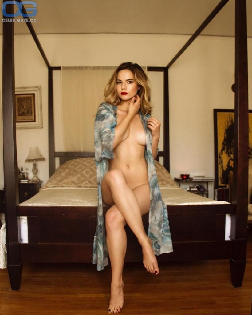 Kaili Thorne  nackt