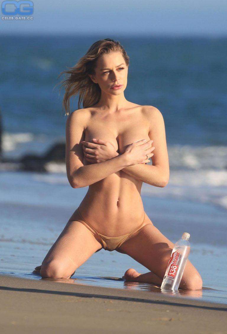 Kate Ashley Compton  nackt