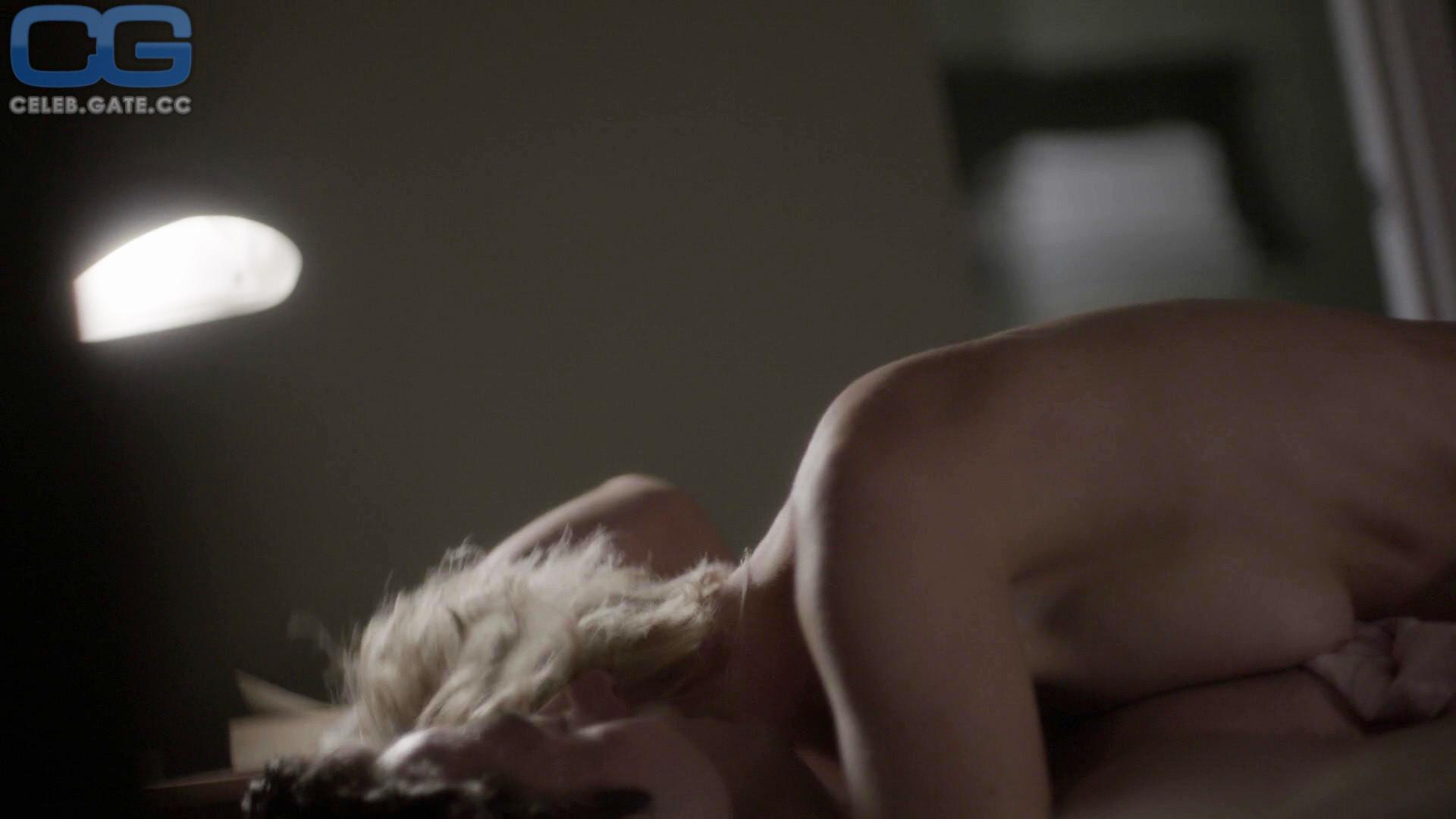Kathleen Robertson  nackt