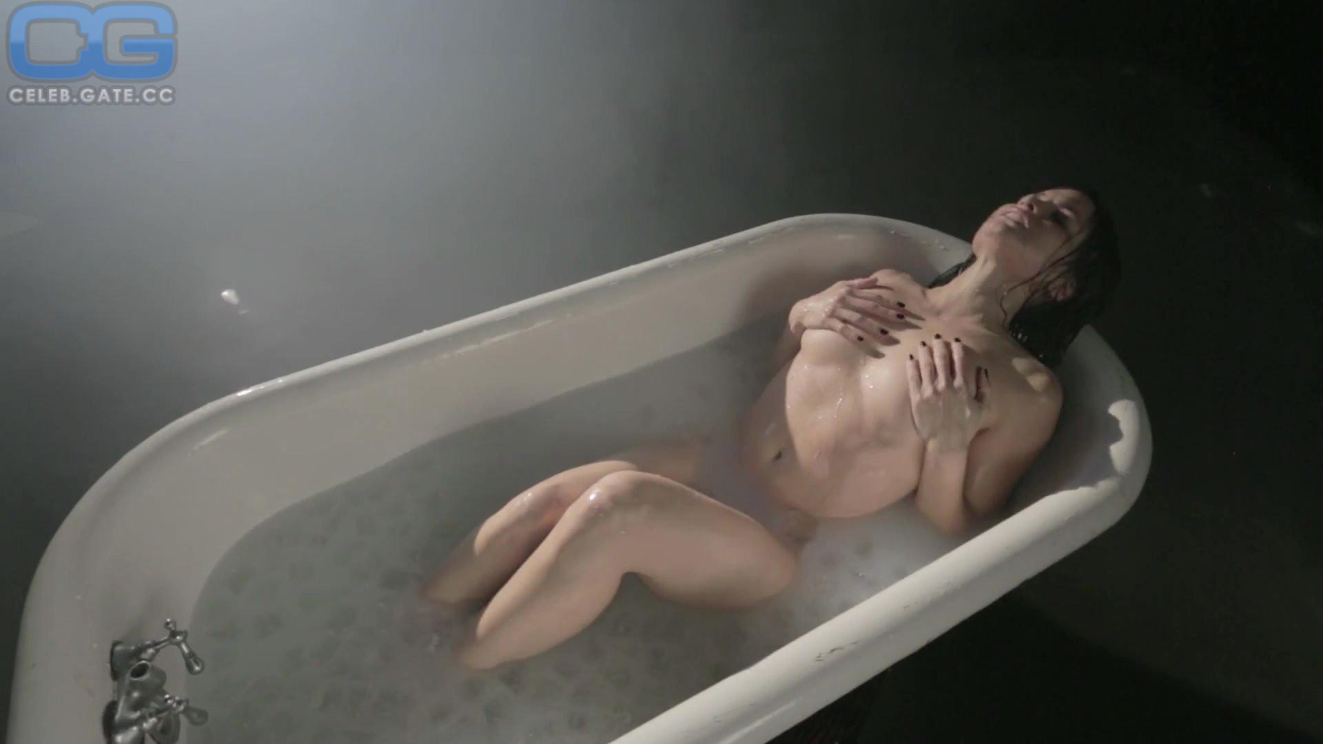Nackt  Katrina Law 41 Hot