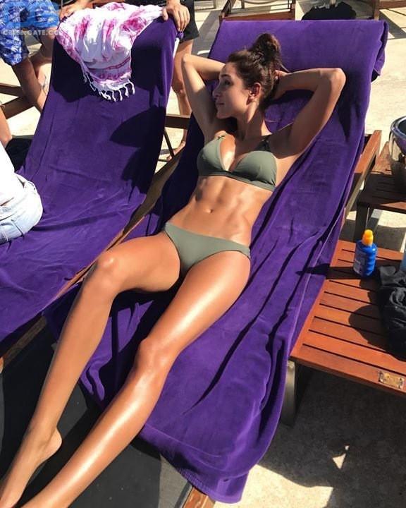 Kayla Itsines  nackt