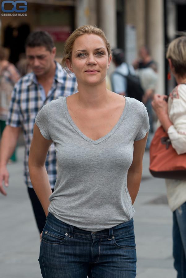 Nackt Kristina Neuwert  Melisa Mendiny