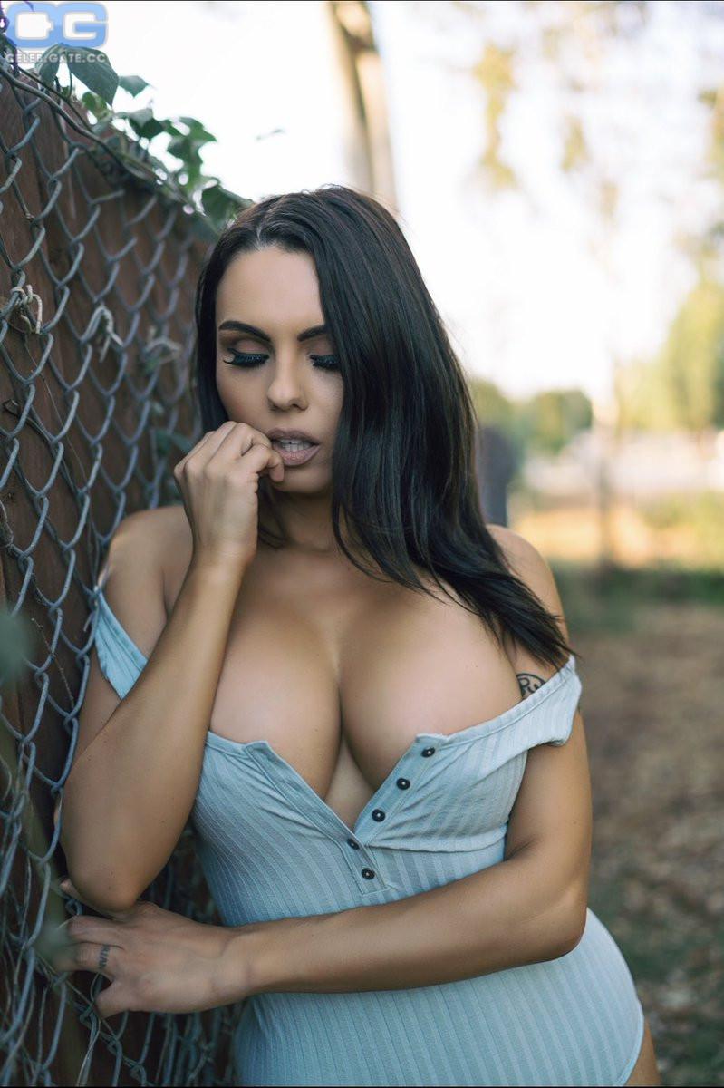 Nackt kara lina Kara lina