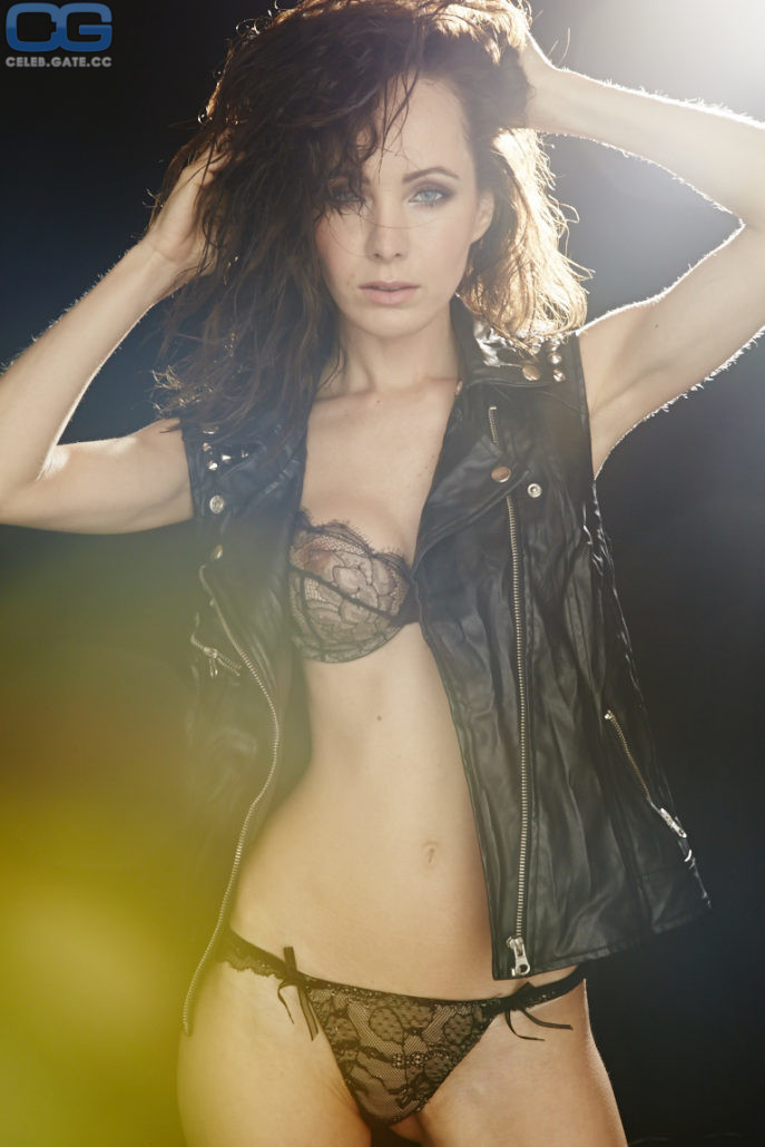 Nackt  Ksenia Solo Vogue model's